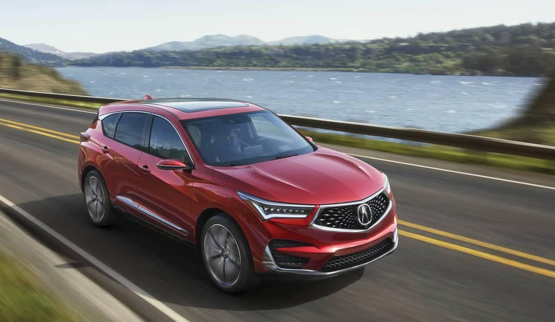 2019 Acura RDX drives on road