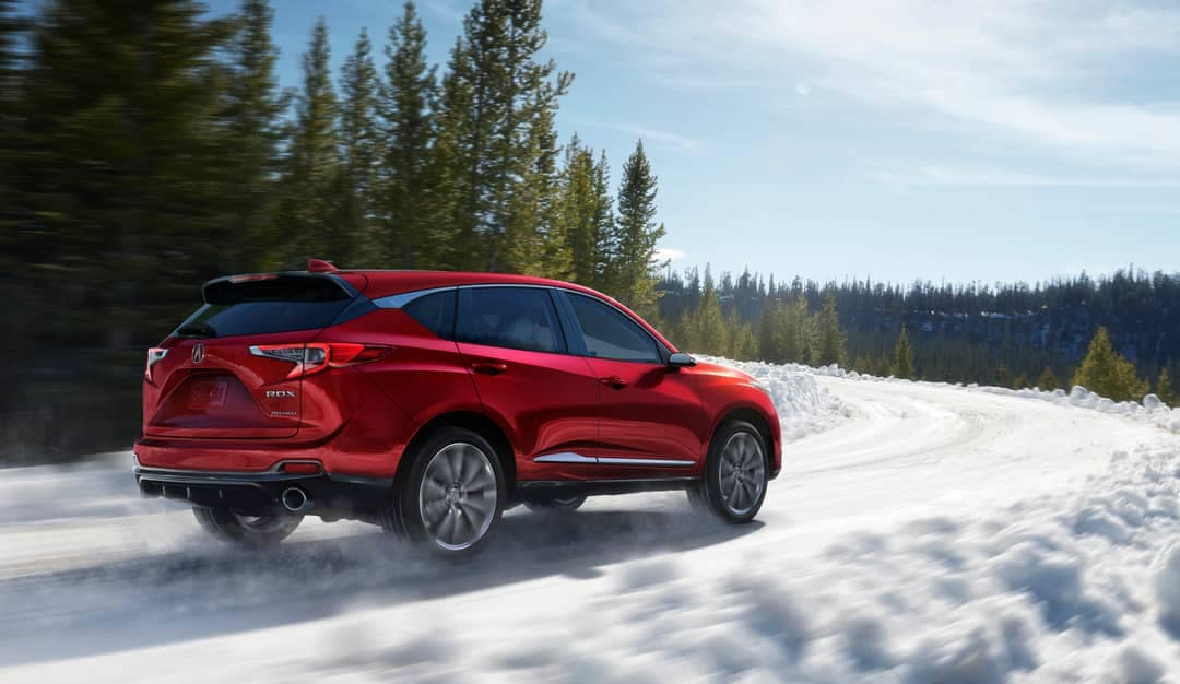 2019 Acura RDX rides through snow