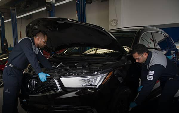 Acura Vehicles gets Serviced