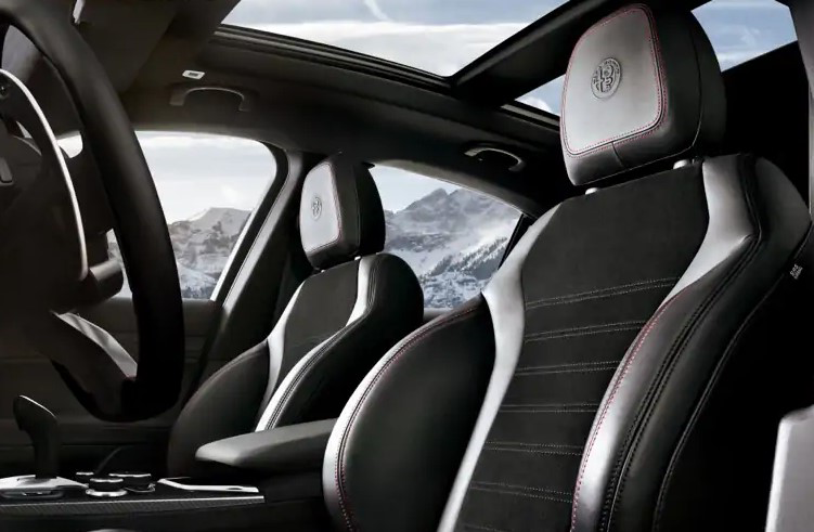 2021 Stelvio Cold Weather Package