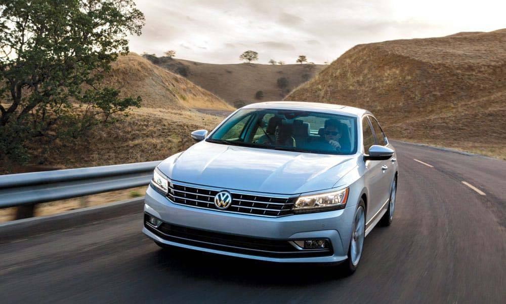 2017 VW Passat CANADA Lane Assist