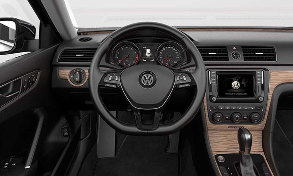 2017 VW Passat CANADA Leather Wheel