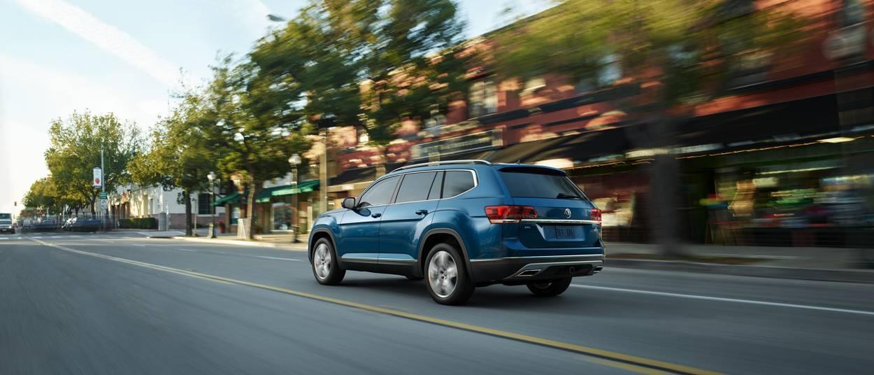 2018 Volkswagen Atlas blue