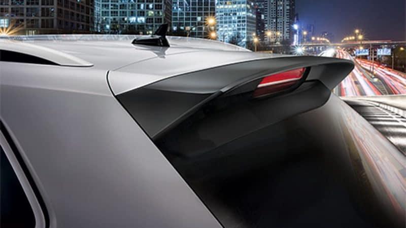 Sport Package design elements of back windshield of Passat