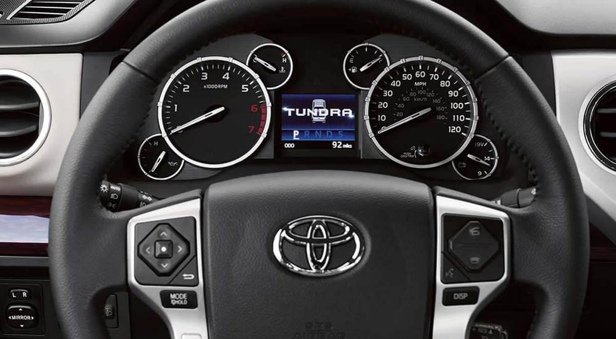 2017-Toyota-Tundra-interior
