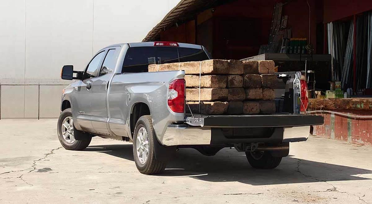 2017-Toyota-Tundra-truckbed