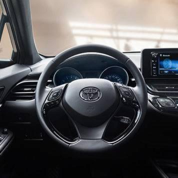2018-Toyota-C-HR-XLE-Premium-Black-Interior-356x356