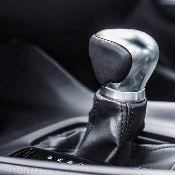 2018-Toyota-C-HR-XLE-Premium-Interior-356x356