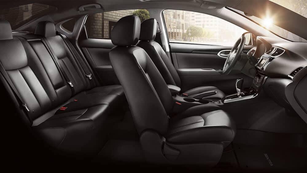 2018 Nissan Sentra interior 2