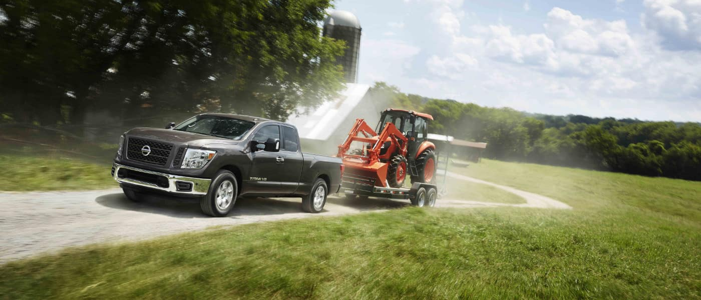 2019 Nissan Titan towing tractor