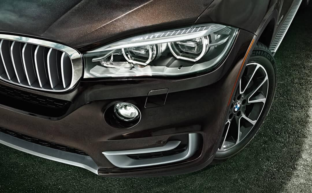 2018 BMW X5 headlight detail