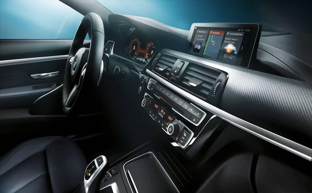 2019 BMW 4-Series sleek dashboard