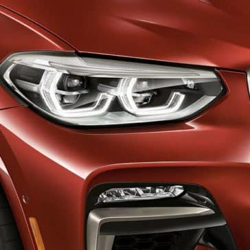 2019 BMW X4 headlight detail