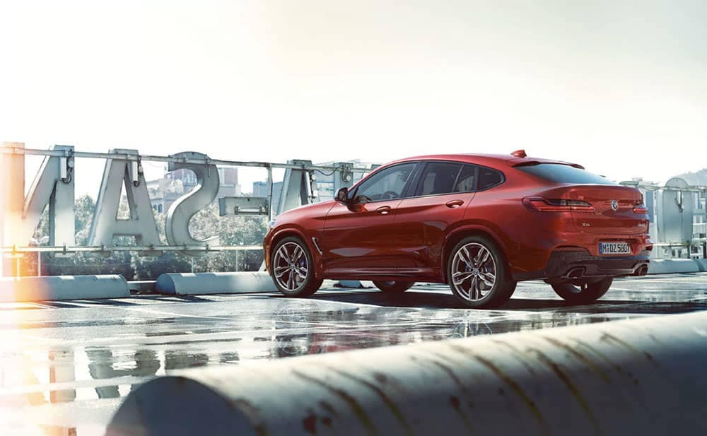 2019 BMW X4 side view