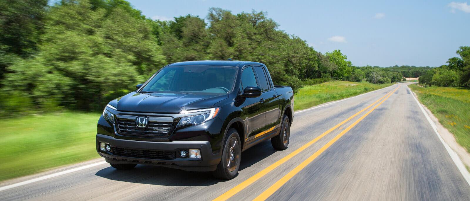 2017-Honda-Ridgeline-driving