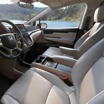 2019 Honda Odyssey front interior