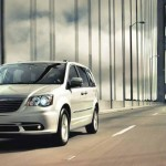 2016 Chrysler Town and Country Front