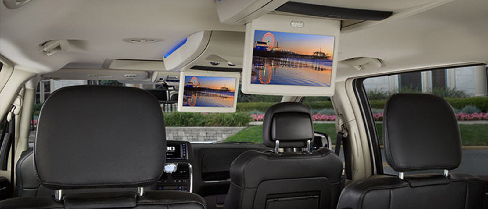 2016 Chrysler Town and Country Interior