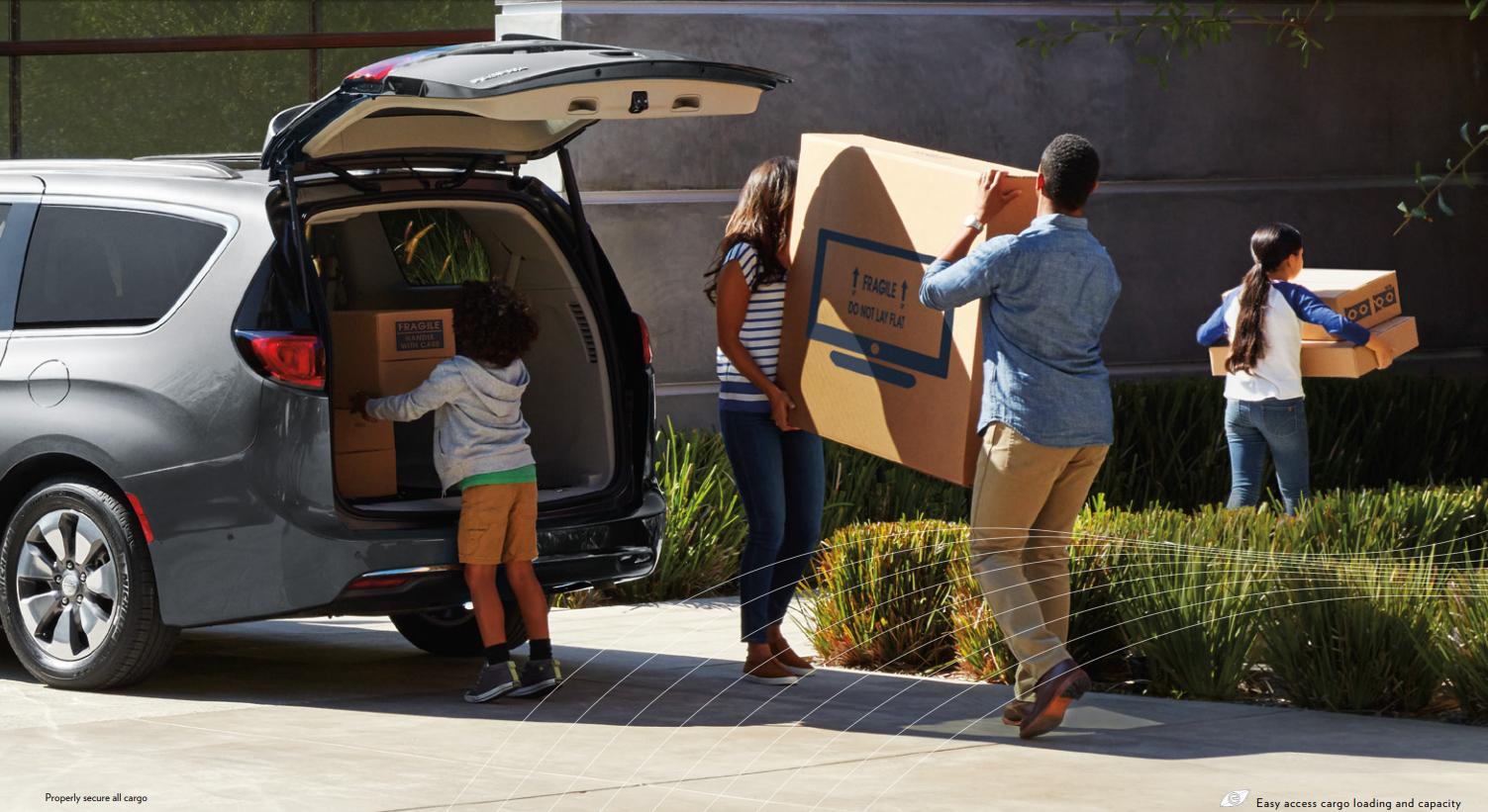 2018 Chrysler Pacifica Hybrid family unloading cargo