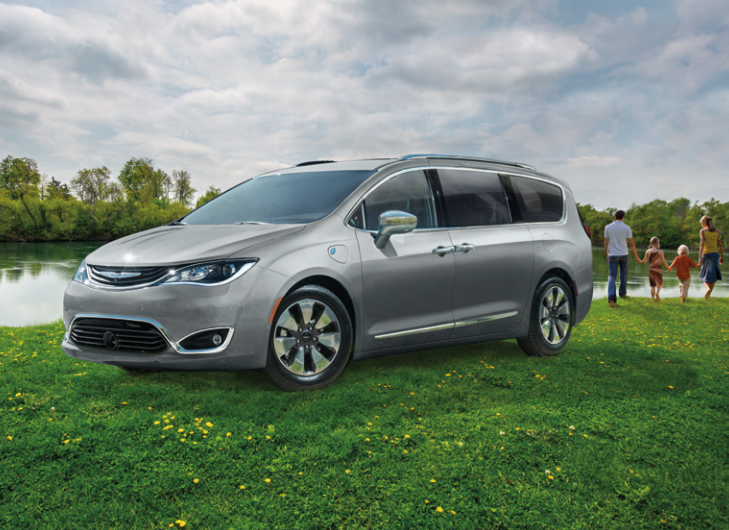 2018 chrysler pacifica hybrid outside with family