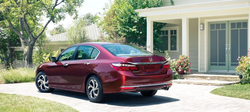 2017 Honda Accord Sedan Exterior Rear Angle