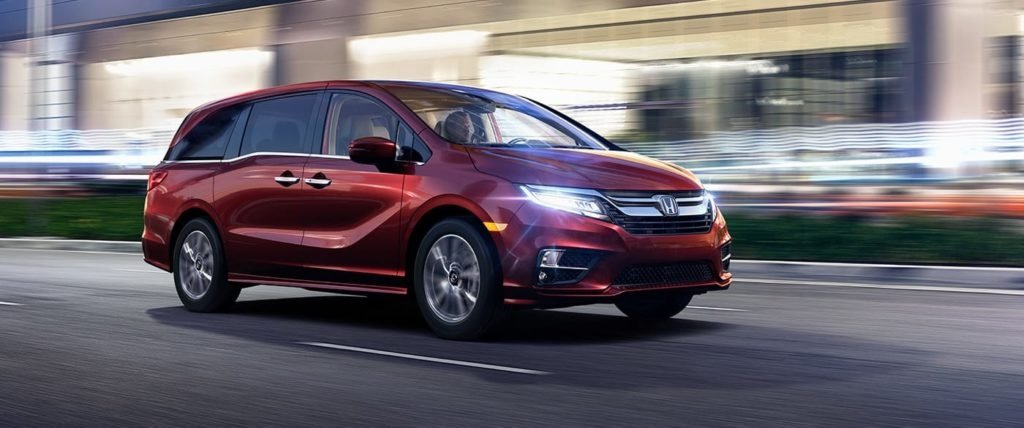 2018 Honda Odyssey on road
