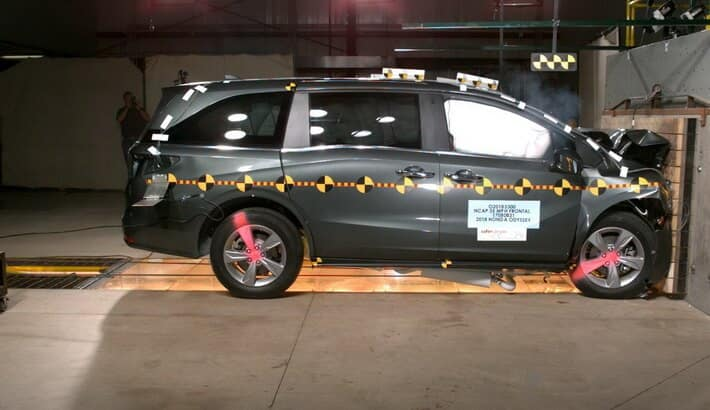 2018 Honda Odyssey Crash test side collision