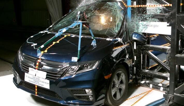 2018 Honda Odyssey Crash test front end collision