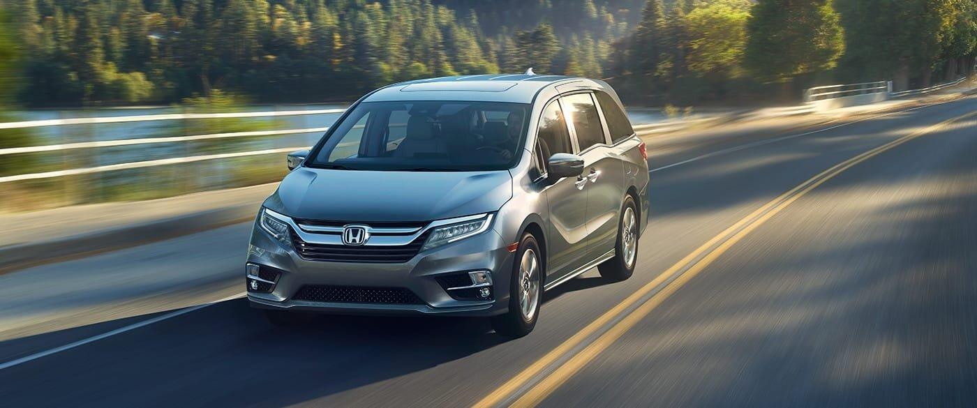 2018 Honda Odyssey on road