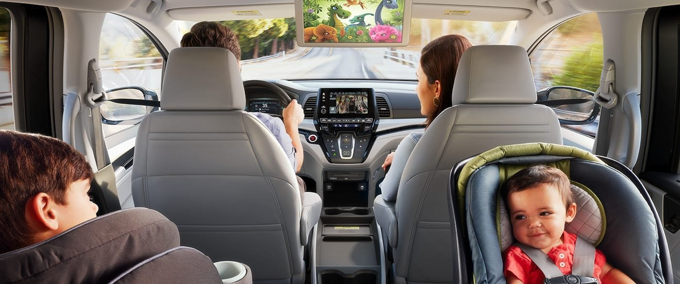 2018 Honda Odyssey with family inside