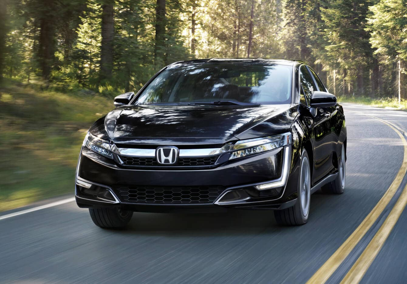 2018 Honda Clarity Plug-In Hybrid Exterior Front Angle Driver Side