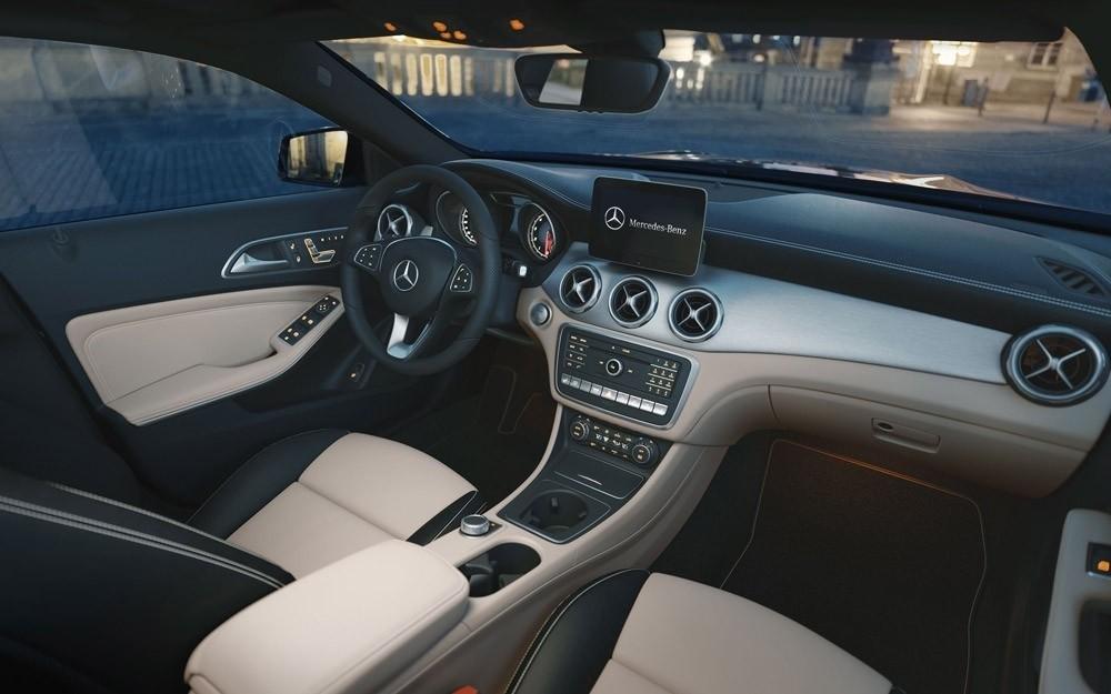 2018 GLA SUV Interior