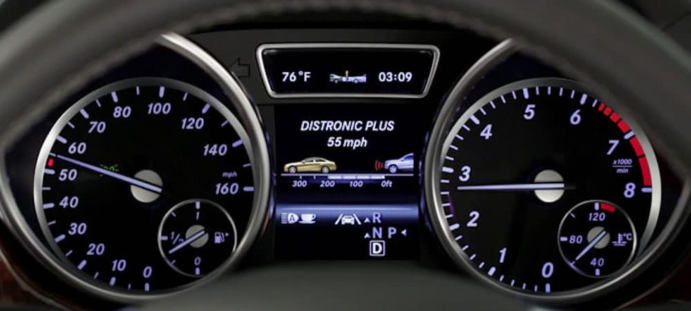 Mercedes-Benz DISTRONIC PLUS on gauge cluster
