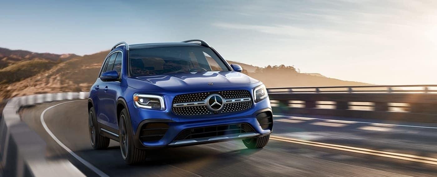 2020 Mercedes-Benz GLB SUV blue exterior