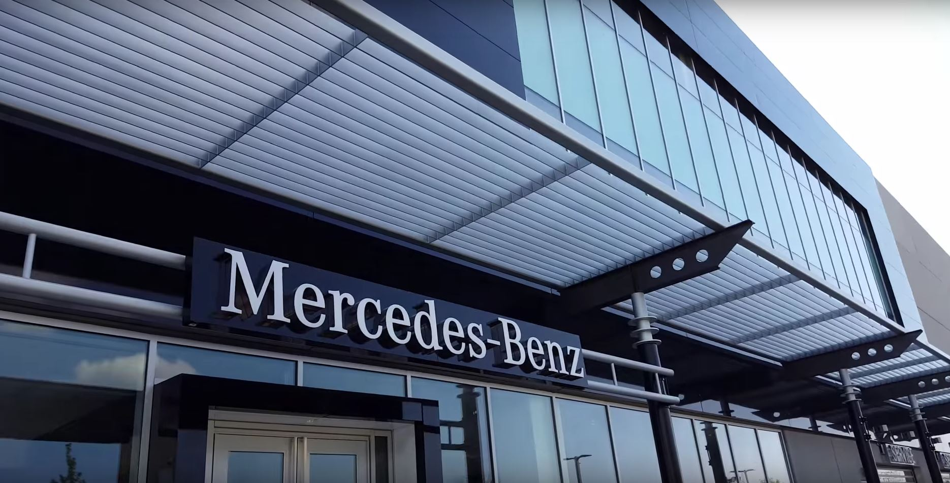 How to get from goose island service center to new elston for Mercedes benz chicago dealers