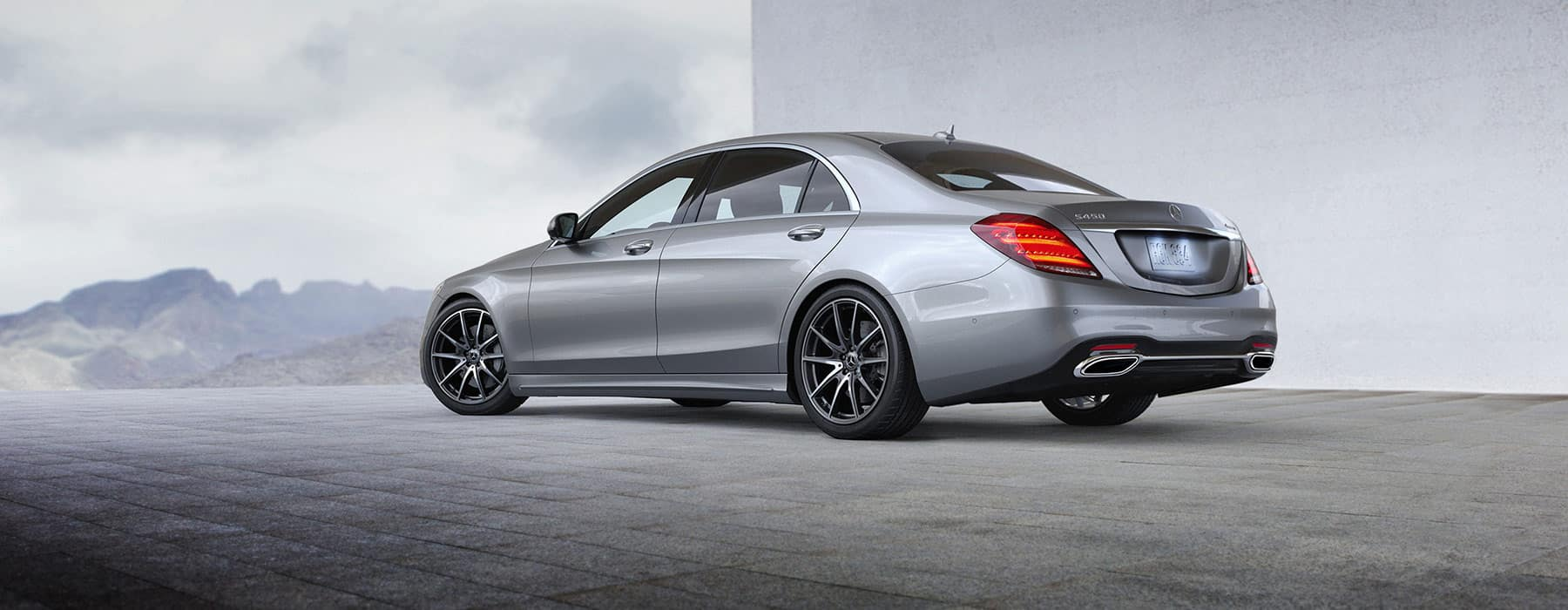 The all new 2018 s 450 sedan mercedes benz of chicago for Mercedes benz chicagoland
