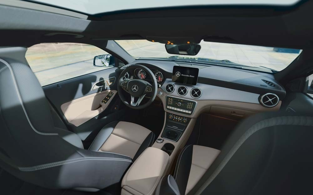 2018 GLA 250 Interior