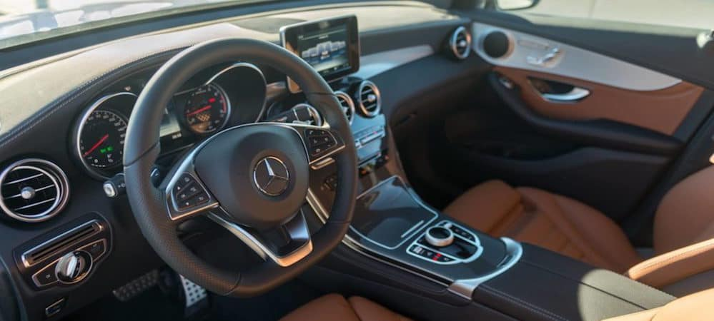 Mercedes-Benz cockpit with steering wheel and touchscreen