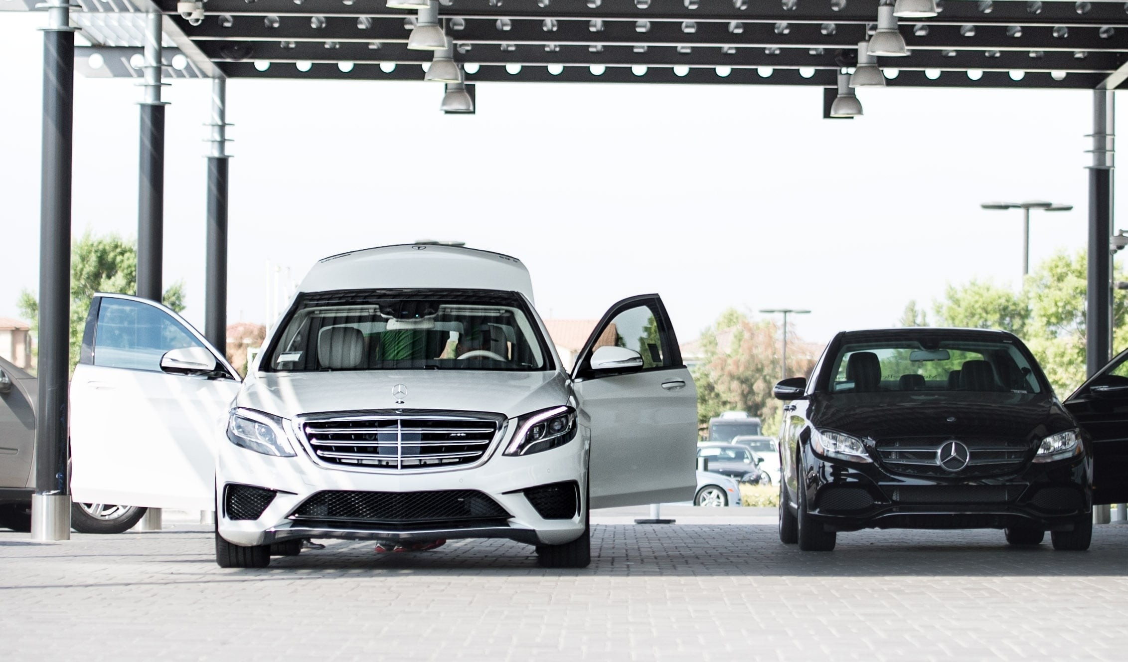 body image mobile. Mercedes-Benz Service Menu