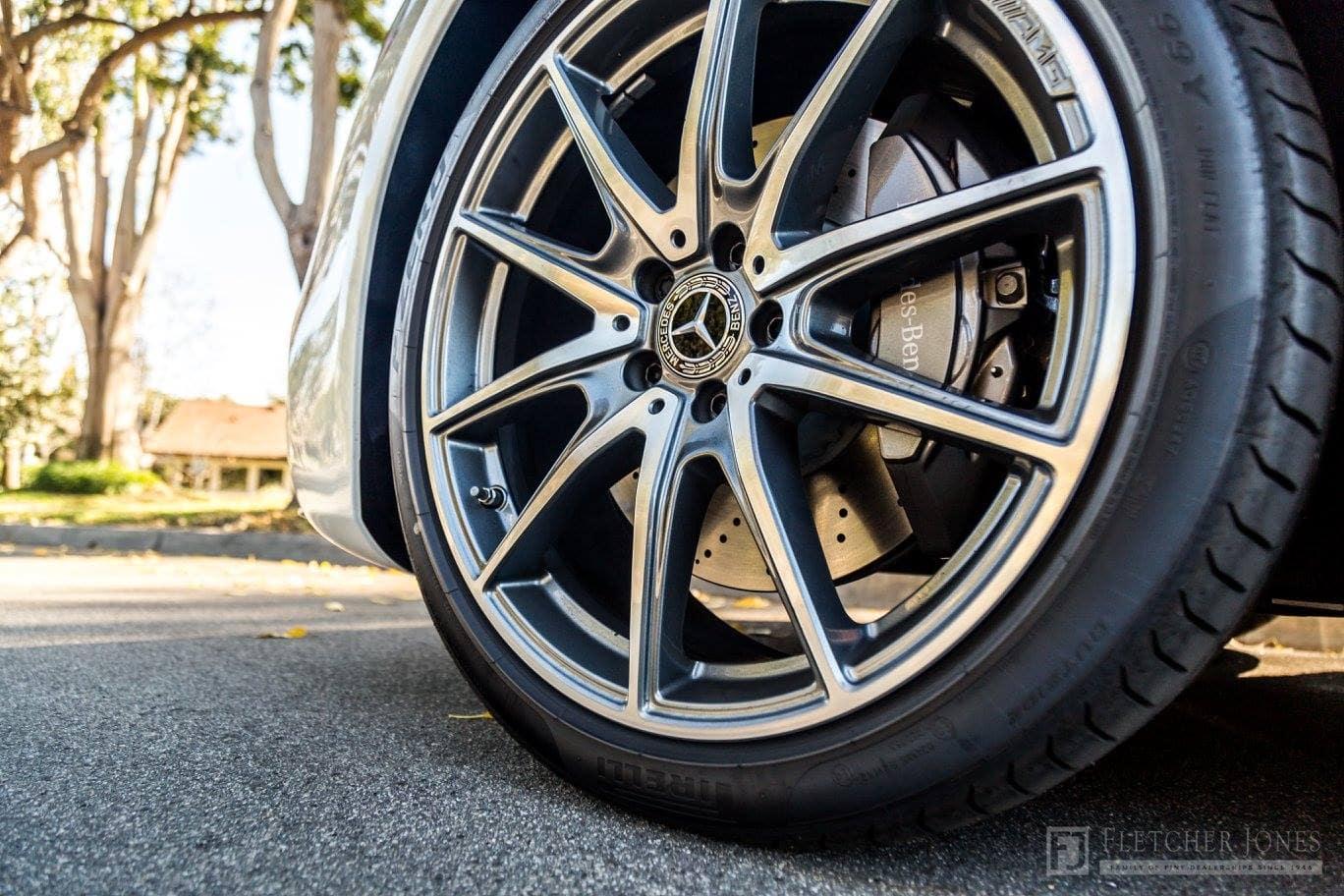 Mercedes-Benz E-Class: Tread wear