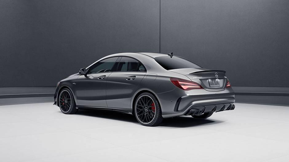 a glimpse at the 2017 mercedes benz amg cla 45 coupe. Black Bedroom Furniture Sets. Home Design Ideas