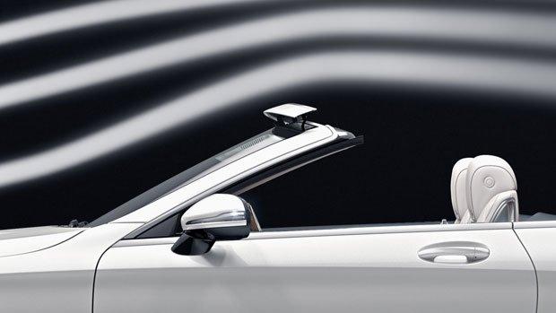 White Mercedes-Benz Cabriolet Side view