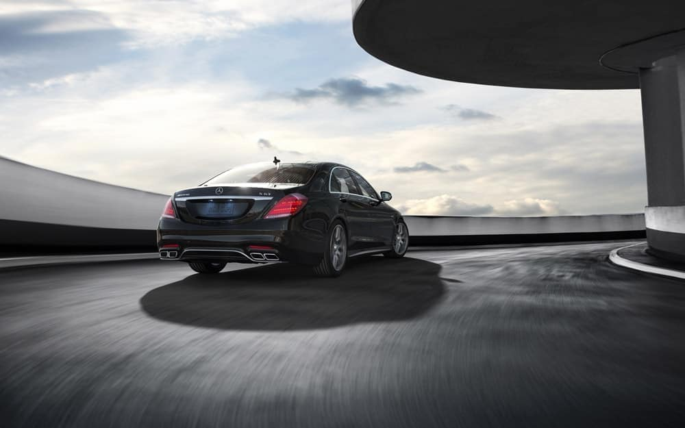 S-Class driving round curve