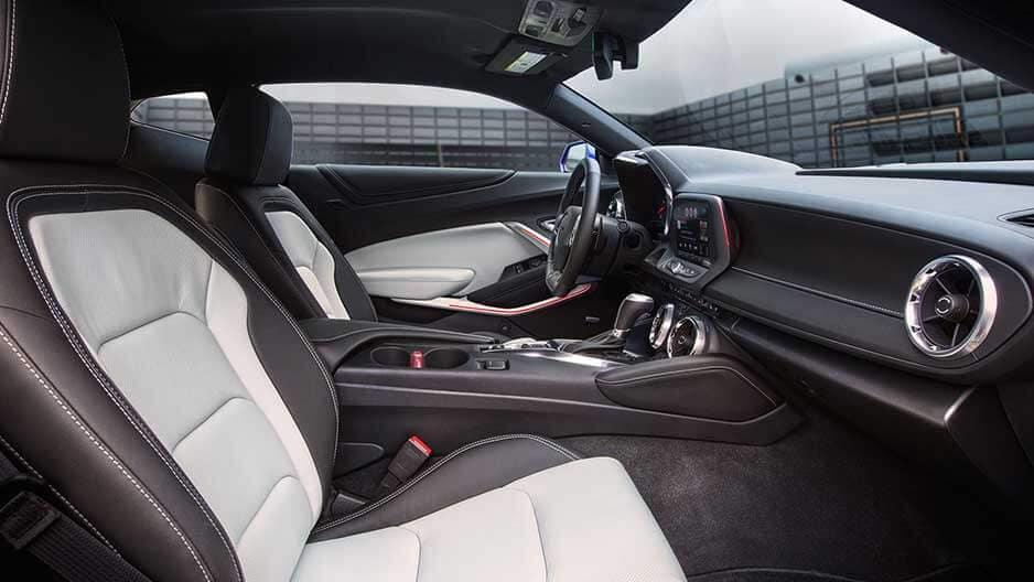 Interior Features of the New Chevrolet Camaro at Garber in Orange-Park, FL