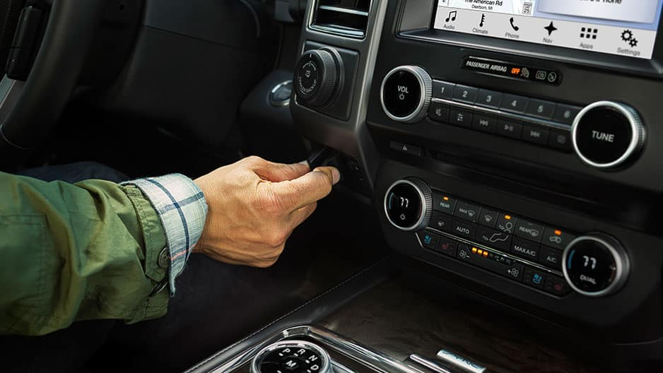 Technology Features of the New Ford Expedition at Garber in Jacksonville, FL