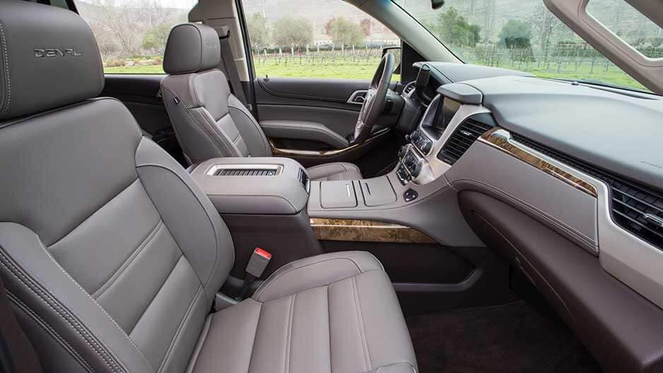 Interior Features of the New GMC Yukon at Garber in Orange-Park, FL