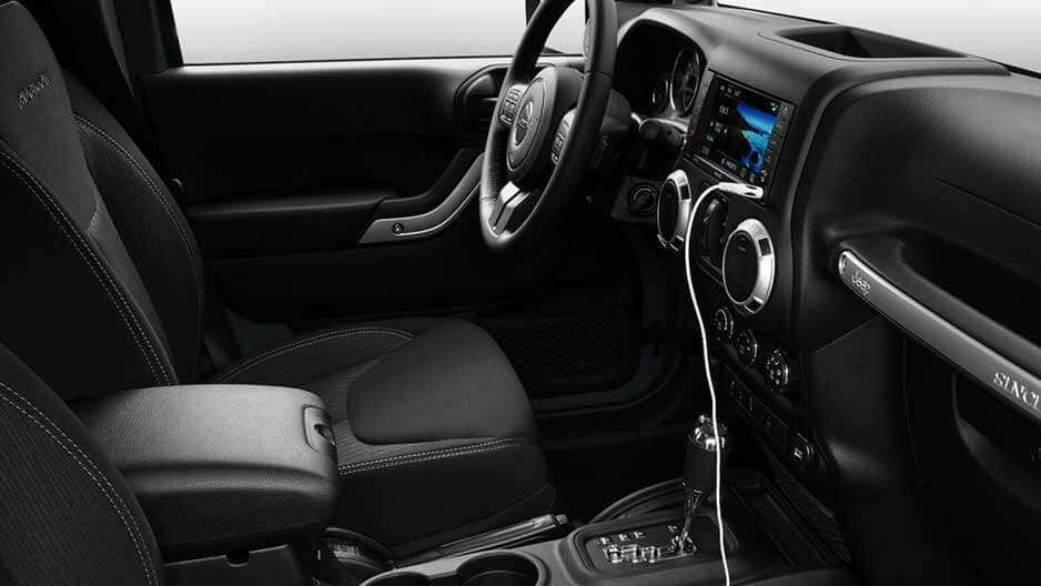 Interior Features of the New Jeep Wrangler Unlimited at Garber in Orange-Park, FL