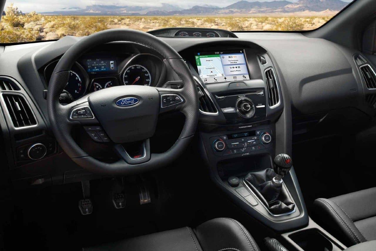 Ford Focus ST Vs  Volkswagen Golf GTI: Hot-Hatch Slugfest