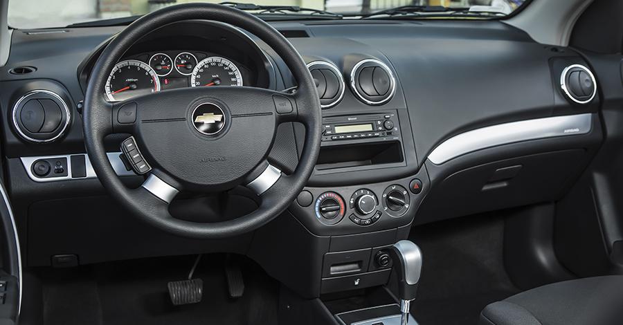 Chevrolet Aveo 2017-5 en Monterrey Grupo Rivero