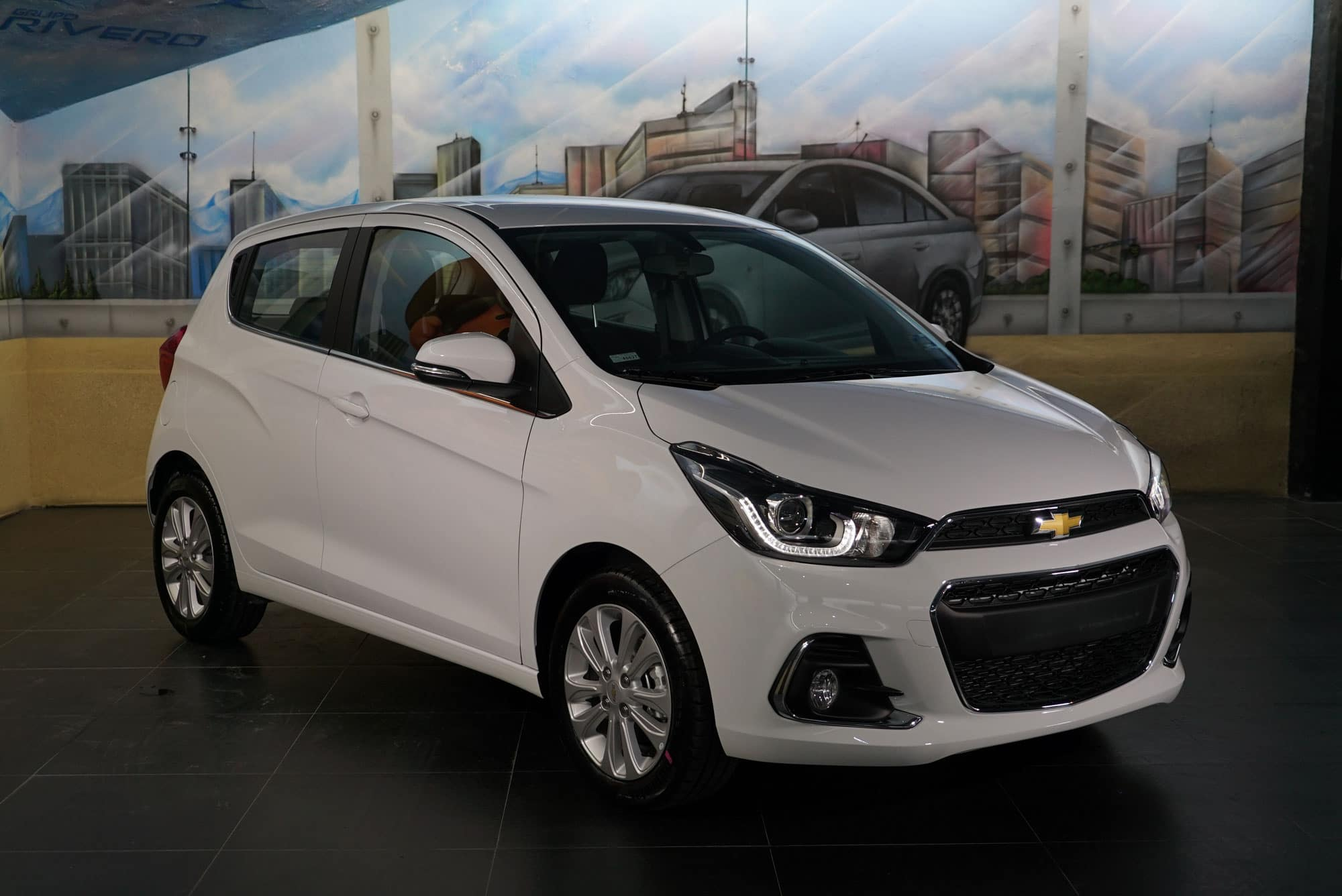Chevrolet spark 2018 red interior